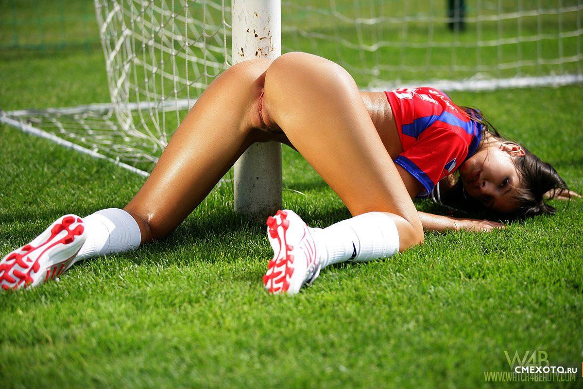 девушки и футбол онанист блог фото