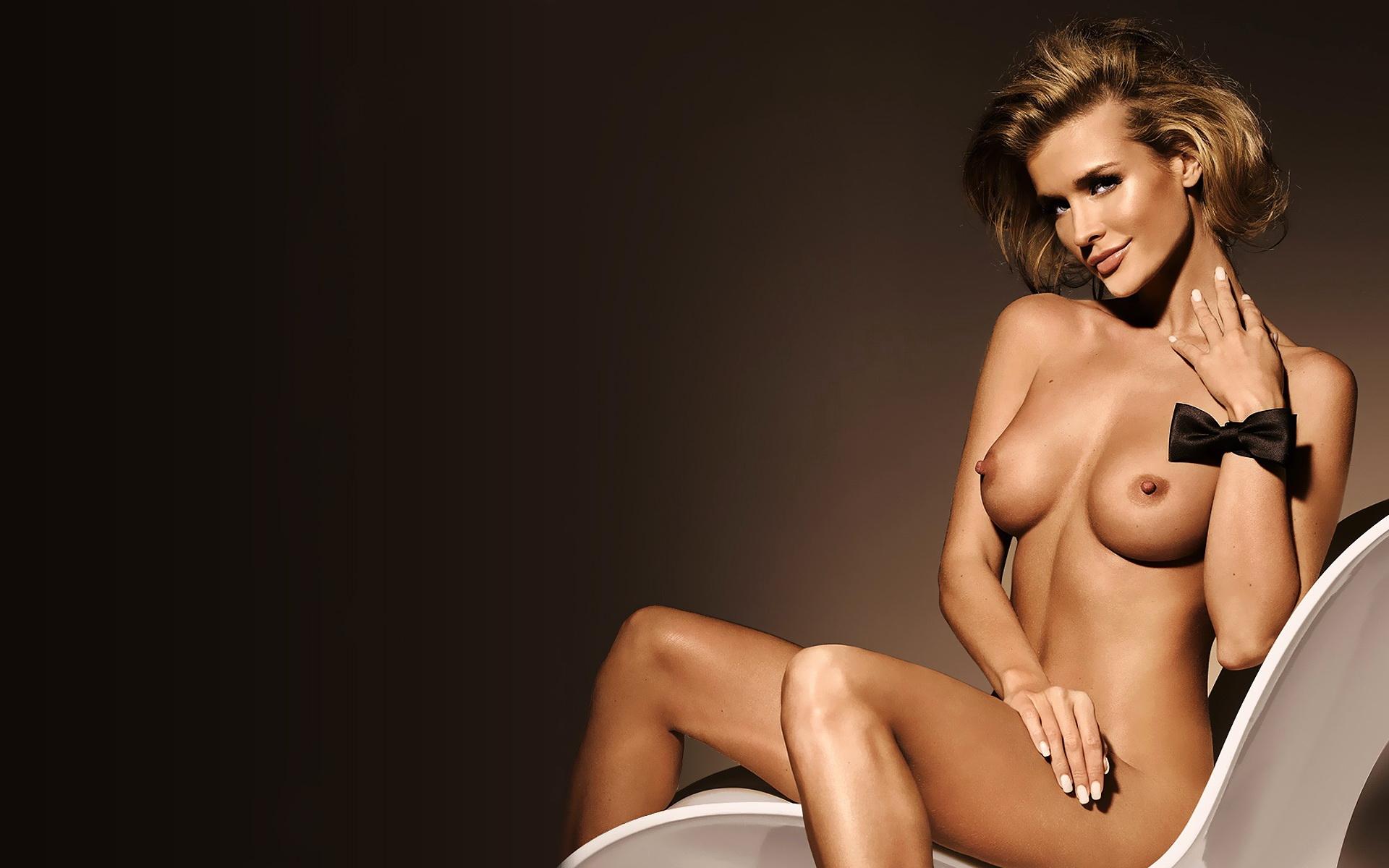 лег нее знаменитые девушки голые секс эффектно выставляет