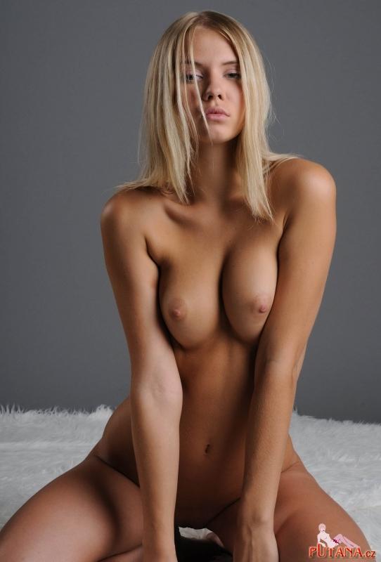 http://cmexota.ru/uploads/2011/09/27/home_girls13.jpg